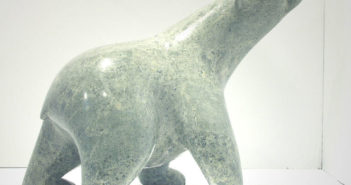 adamie-ashevak-inuit-bear-scultpure