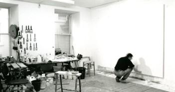 callum-innes_in-studio