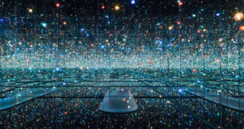yayoi-kusama_infinity-mirrored-room