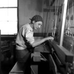 Anni Albers in her weaving studio at the Black Mountain College (1937)