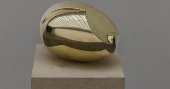 Le Nouveau-Né, 1920 Polished bronze 5.9 x 8.3 x 5.9 inches by Constantin Brâncuși  (1876-1957)