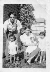 Letelier, Manitoba, Summer 1943 Kohei with David, Kimie with Betty, Carol